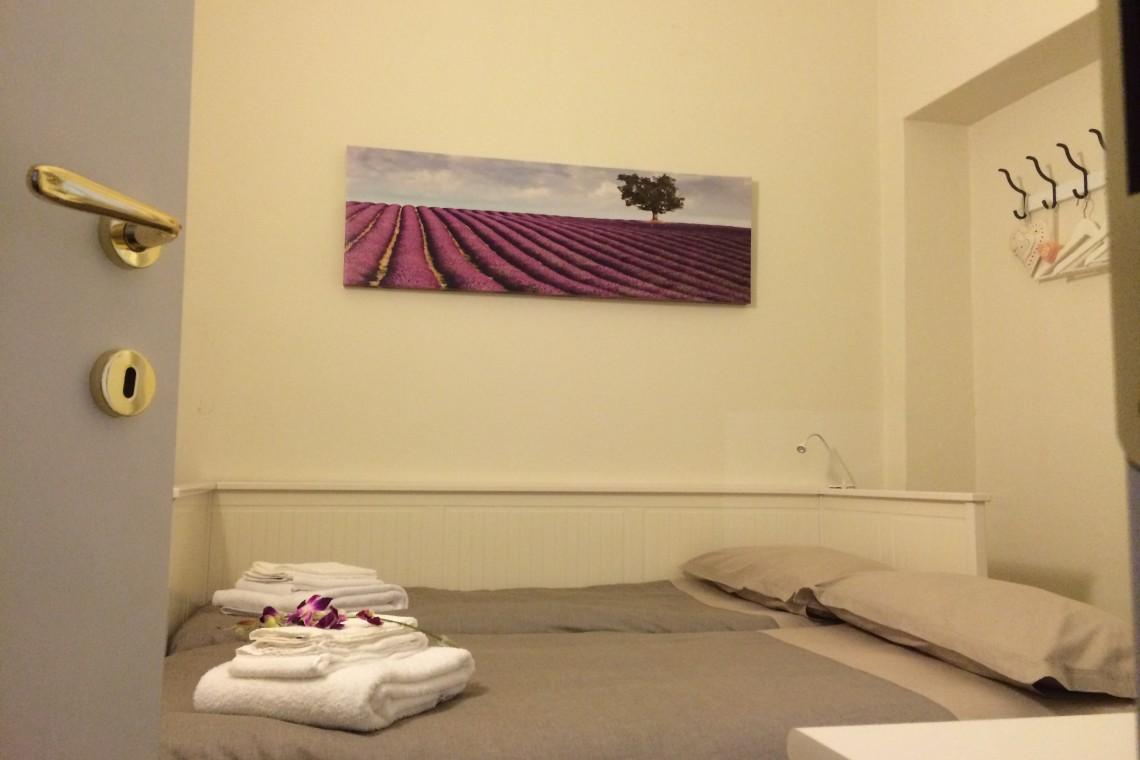 Seconda camera da letto 2 letti singoli (Second bedroom with 2 single beds)