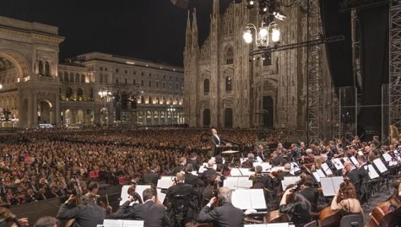Piazza del Duomo, Milano. Filarmonica della Scala. Direttore Riccardo ChaillyViolino David Garrett